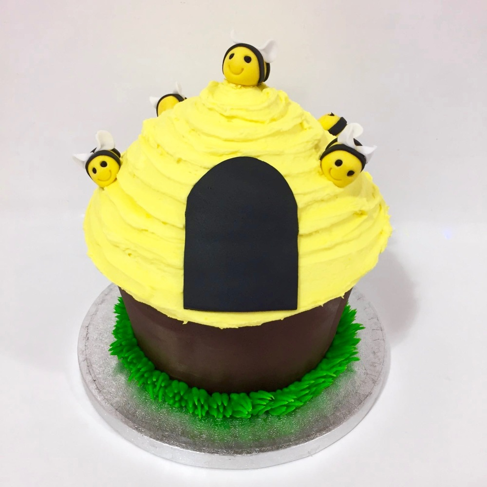3-tuesday-bee-hive-giant-event