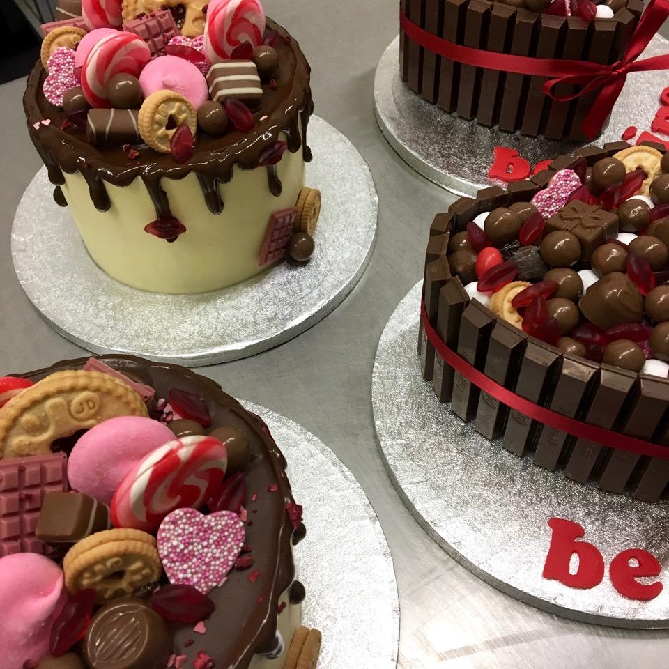 valentine-cakes-bts