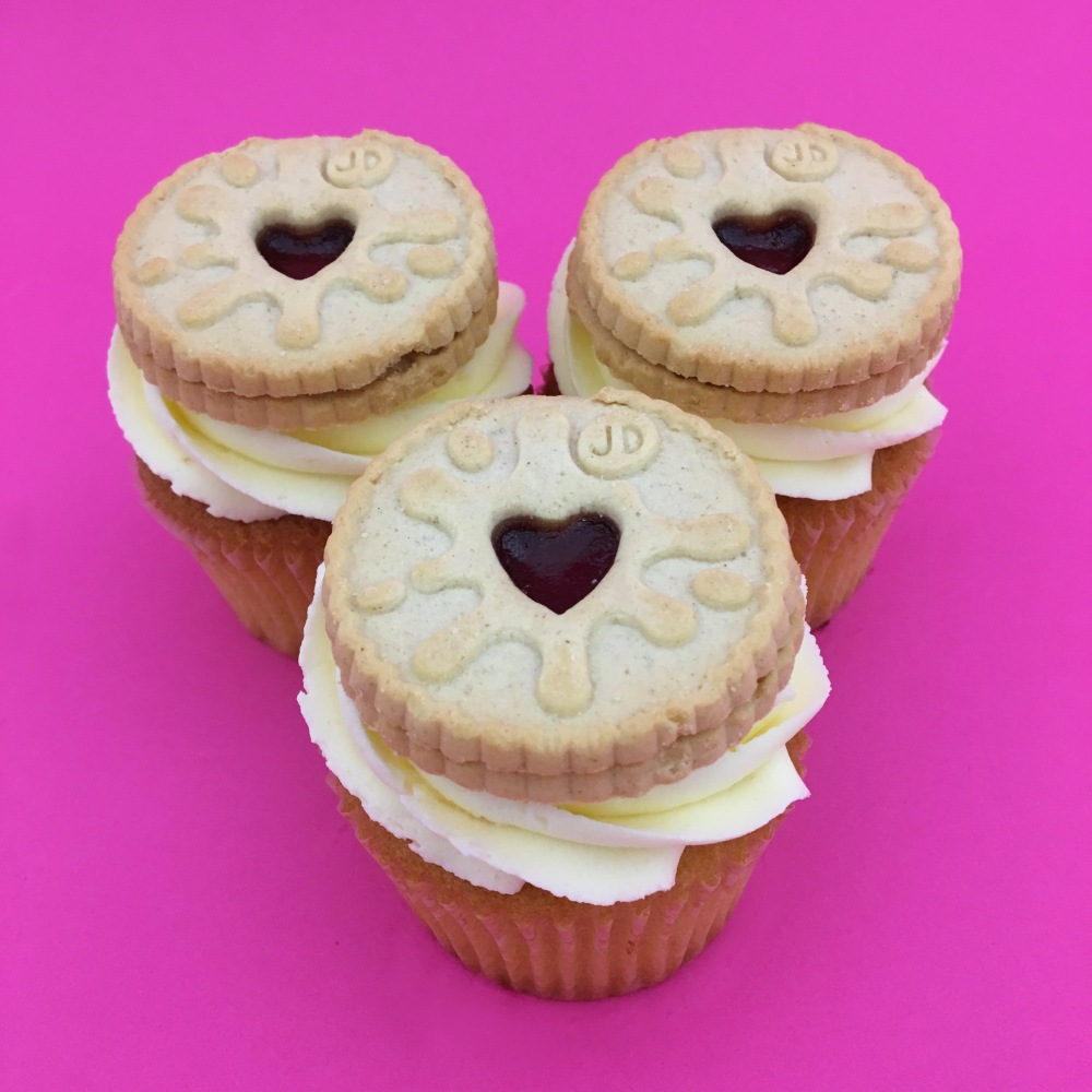 valentines-heylittlecupcake10